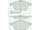 Комплект тормозных колодок, дисковый тормоз  Колодки тормозные AUDI A4 97>/A6/VOLKSWAGEN PASSAT 97>05 передние  Толщина [мм]: 20,4 Ширина (мм): 156,4 Высота [мм]: 74 Количество датчиков износа: 2 для артикула №: 05P790