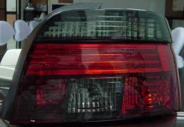 BMW E39 {дизайн под  LED} Задний внешний фонарь левый+правый (комплект), прозрачный хрусталь красно-тонированный на BMW e39 (БМВ е39) - цена, наличие, описание